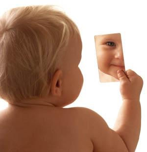 criança-no-espelho
